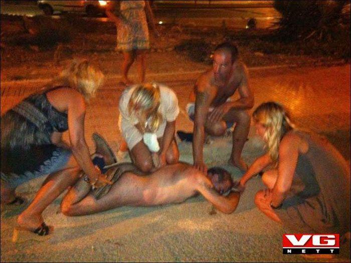 Эксгибиционисты любители трахаются 2 фотография