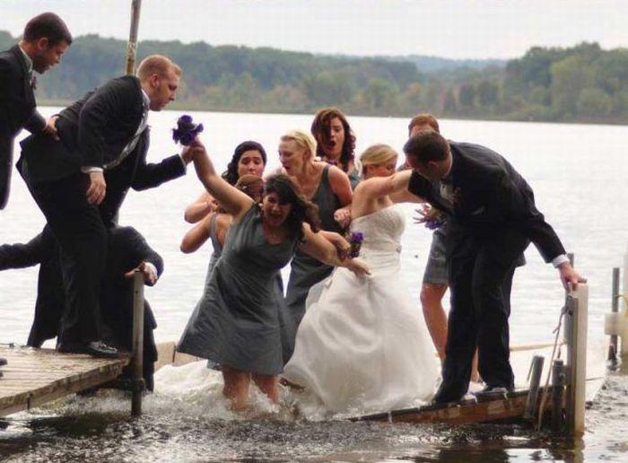 unfortunate_wedding_day_snafu_03 Неудачный свадебный снимок (13 фото)