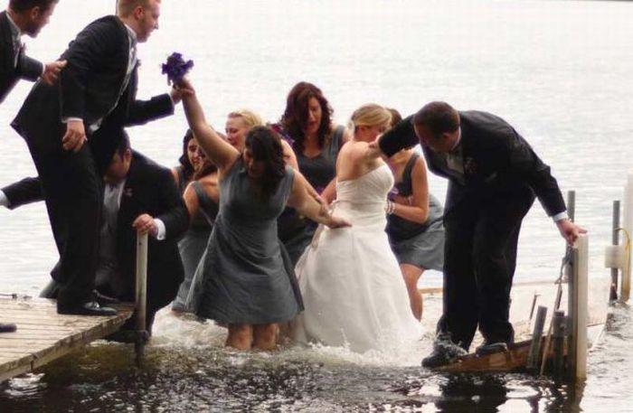 unfortunate_wedding_day_snafu_04 Неудачный свадебный снимок (13 фото)