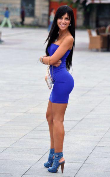 Девушки в секси платьях
