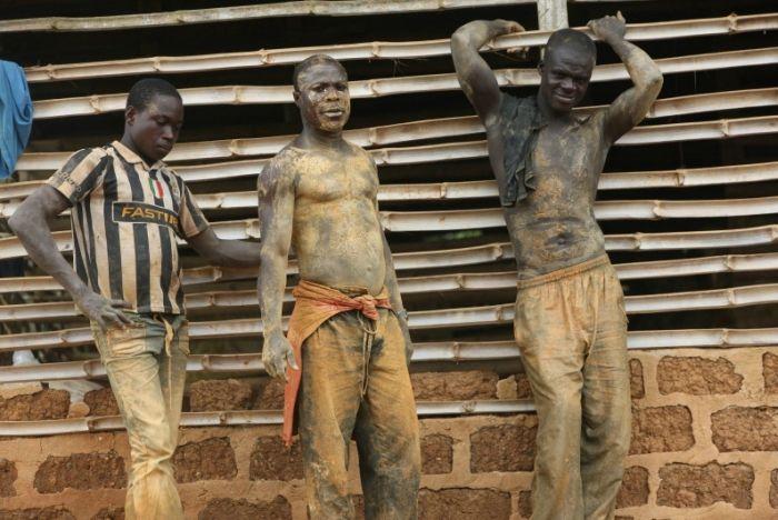 Блоги. Золотодобытчики на фотографиях Джорджа Осод (34 фото). золото, добыча золота, труд, Джордж Осорд