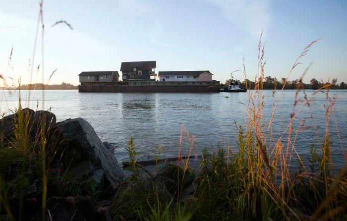 Блоги. Транспортировка огромного дома (9 фото). интересно, дом, транспортировка, креатив