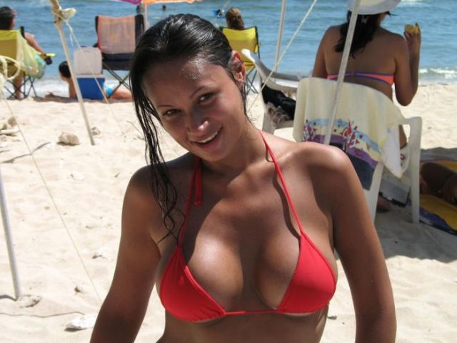 Самые красивые девушки в купальниках (68 фото)