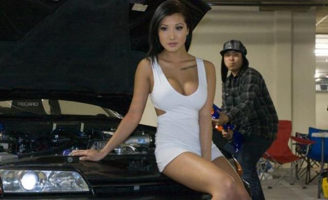 Фото девушек в вызывающей одежде фото 412-975