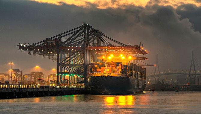 Самый большой корабль контейнеровоз: Марко Поло