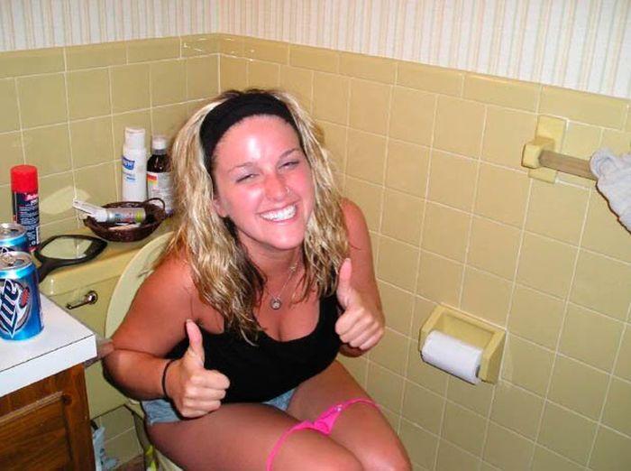 Пьяные девушки фотографируются голыми — img 13