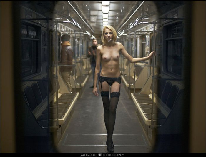 Эротика в метро онлайн 4 фотография