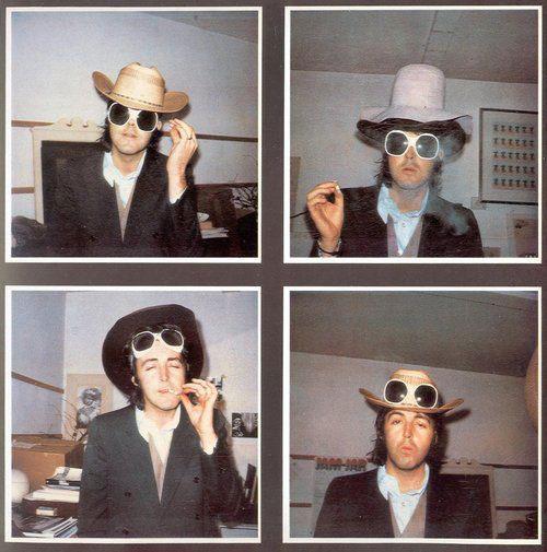 Редкие фотографии знаменитостей прошлых лет (часть 3)