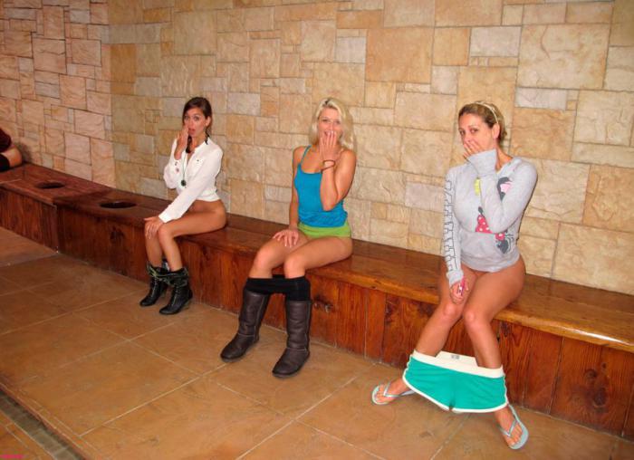 Фото девушек туалет