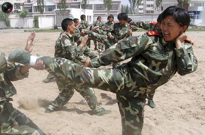 Женщины военные из разных стран мира