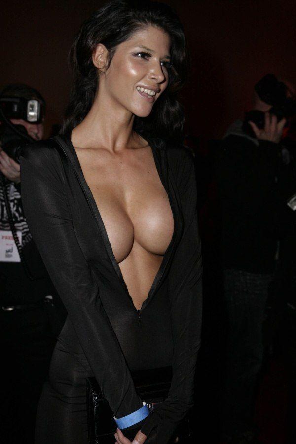 Подборка девушек с шикарной грудью (55 фото)