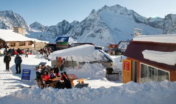 10 горнолыжных курортов, куда можно поехать весной без визы