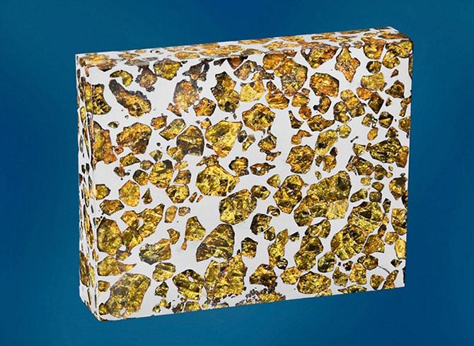 Необычайно красивый метеорит Фукан