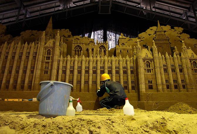Песочные скульптуры в Японии