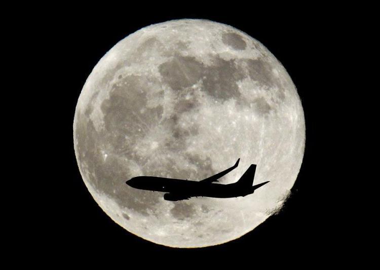 zat1 Полное лунное затмение 10 декабря 2011г (15 фото)
