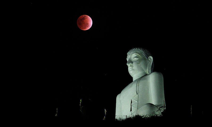 zat13 Полное лунное затмение 10 декабря 2011г (15 фото)
