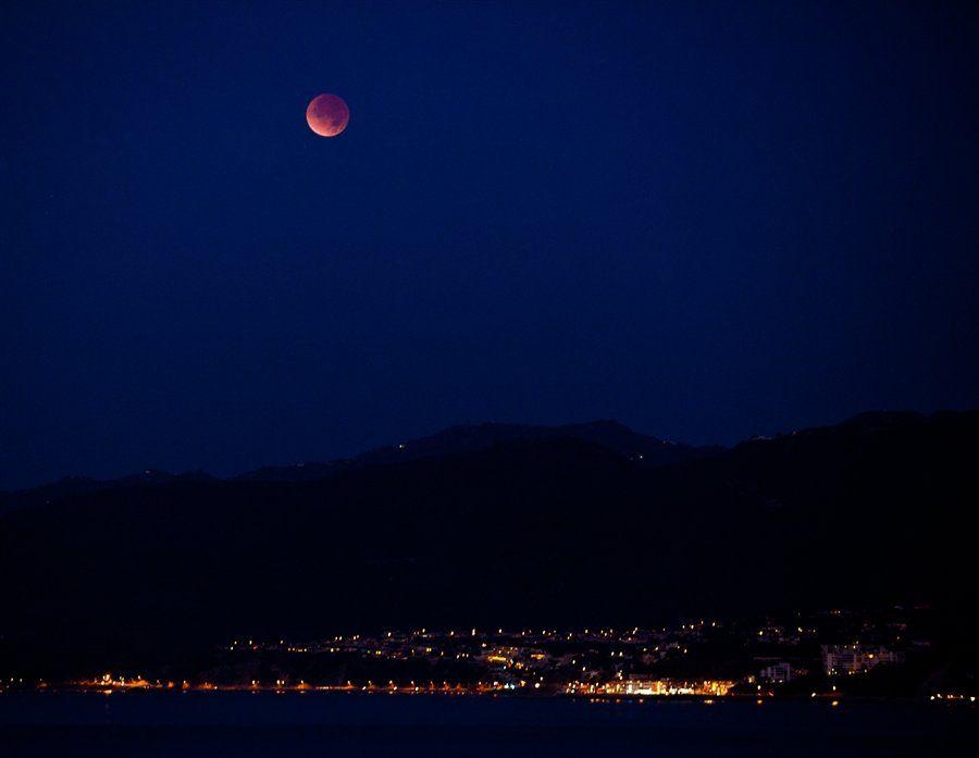 zat5 Полное лунное затмение 10 декабря 2011г (15 фото)