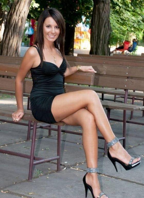 порно фото девушек в коротких платьях
