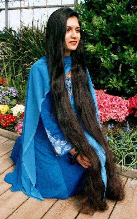Девушки с длинными волосами 20 фото