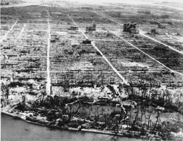 Почему люди могут жить в Хиросиме и Нагасаки, а в Чернобыле — нет