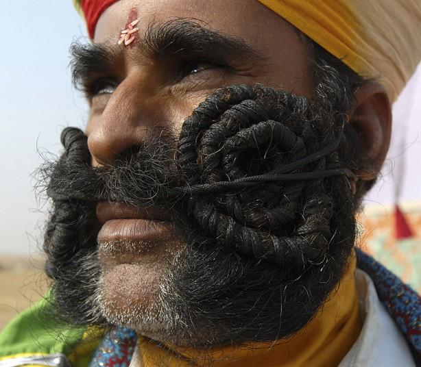 Известные усы на фотографиях (24 фото)
