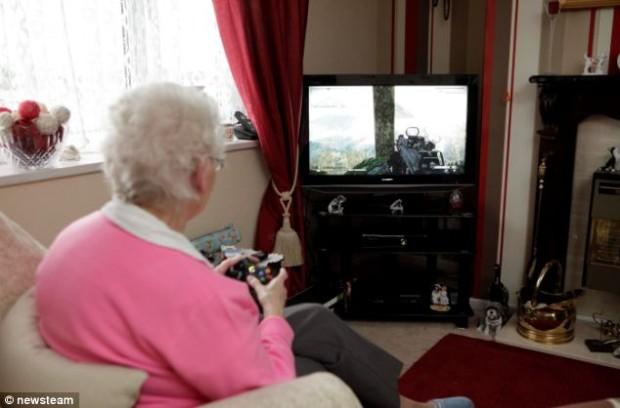 Самой старой геймерше в мире 78 лет