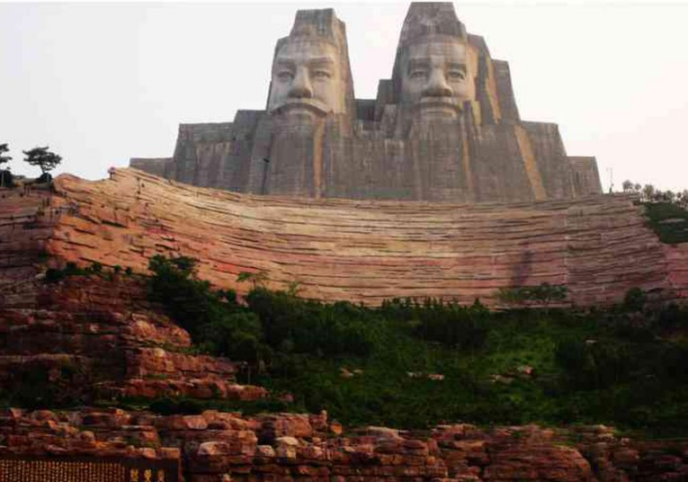 Десять самых высоких статуй мира (10 фото)