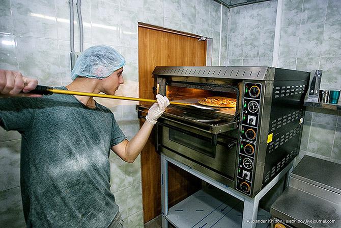 Как работает служба доставки пиццы