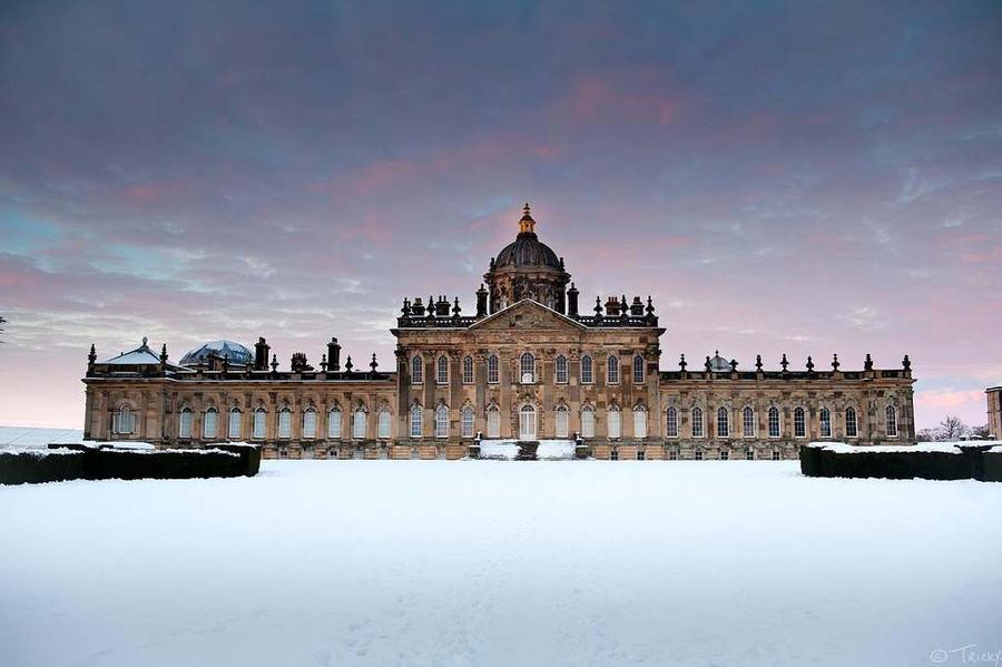 Дворцы и замки зимой