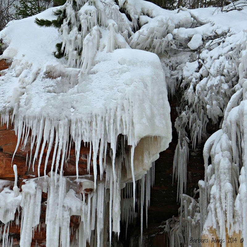 Иллюзорные ледяные пещеры озера Супериор