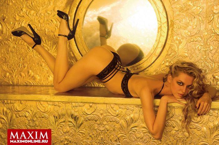 Актриса Лянка Грыу в журнале Maxim (4 фото)