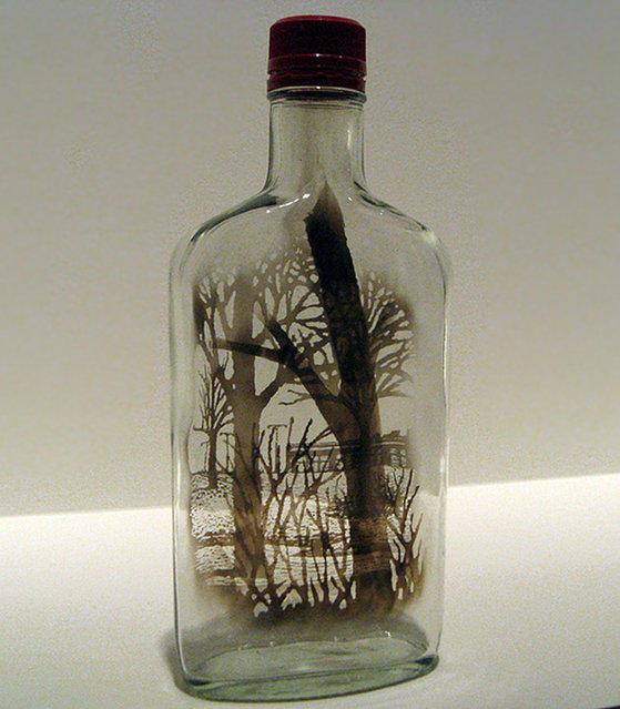 Дым в бутылках от Джима Динджилиена