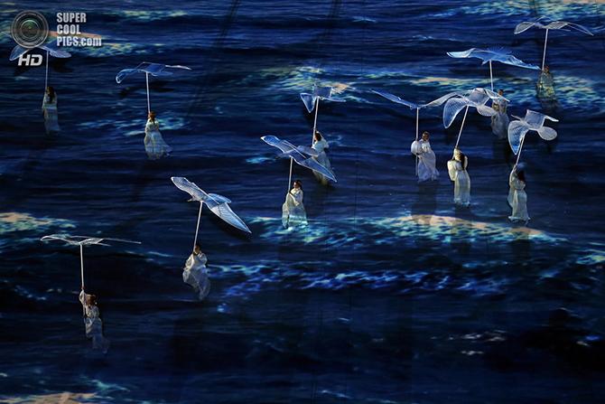 Самые яркие кадры церемонии закрытия Олимпиады в Сочи