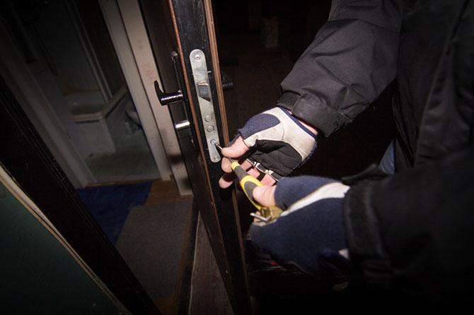Как происходит аварийное вскрытие дверей