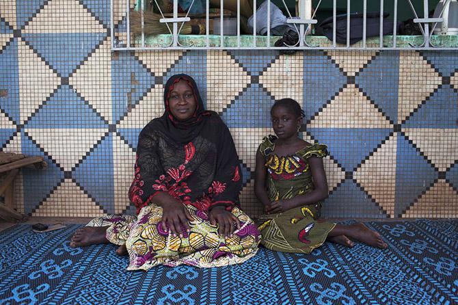 Мамы и дочки со всего мира