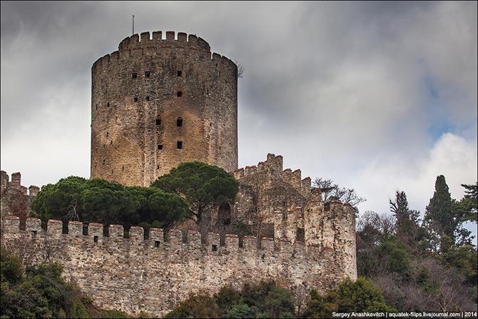 Прогулкой по крепости