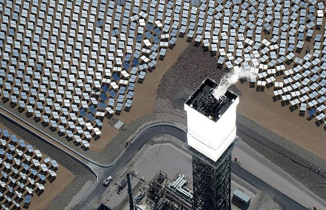 Крупнейшая в мире солнечная электростанция Айванпа