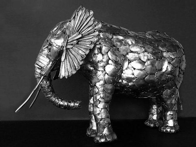 Скульптуры из столовых приборов