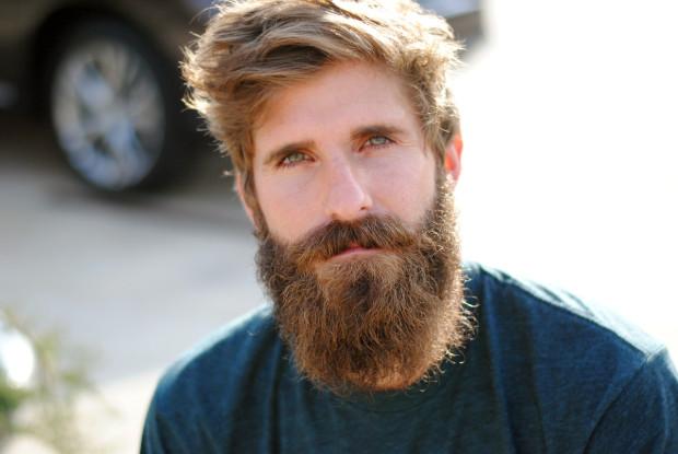 В Нью-Йорке в последнее время очень популярна пересадка бороды