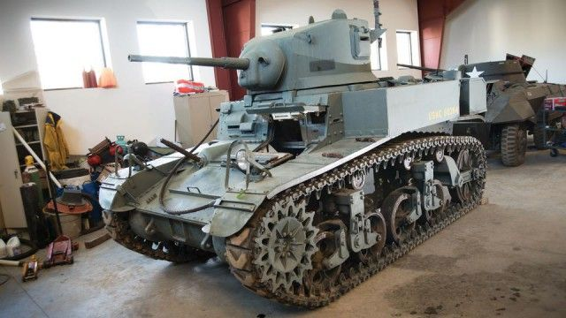 Распродажа танков (18 фото)