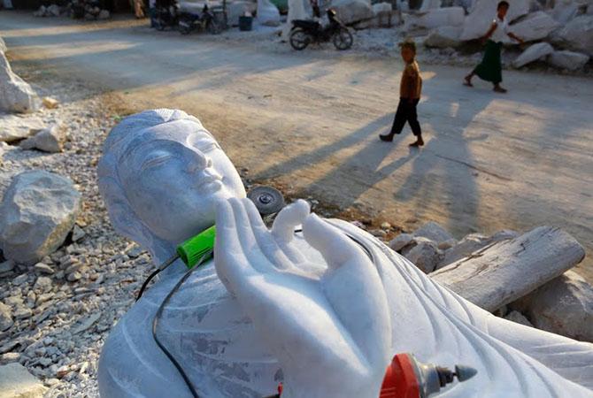 Как делают статуи Будды