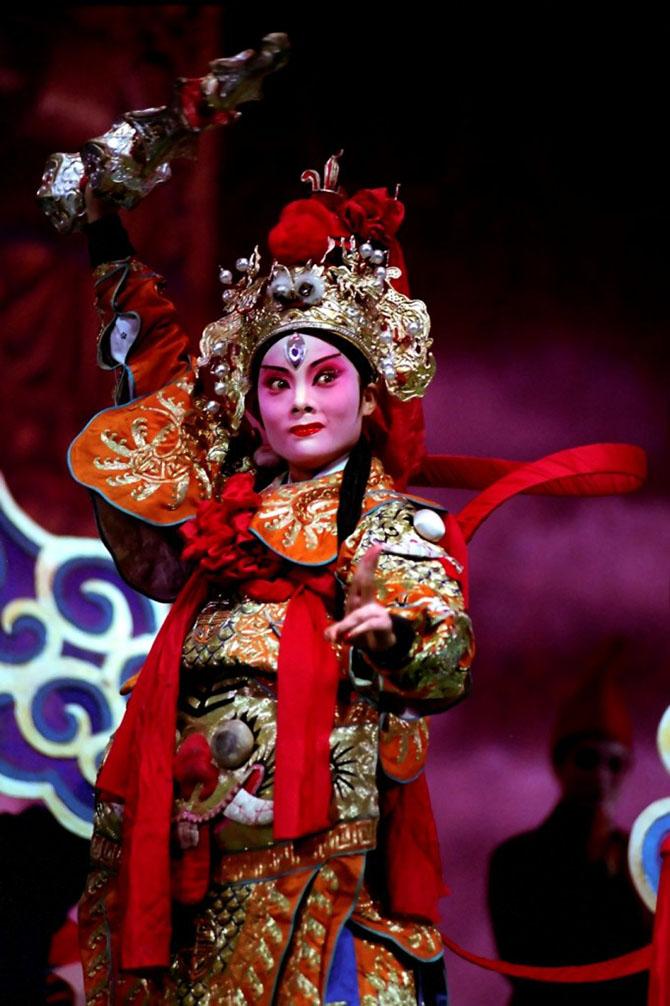 Цвет и сложность китайской оперы