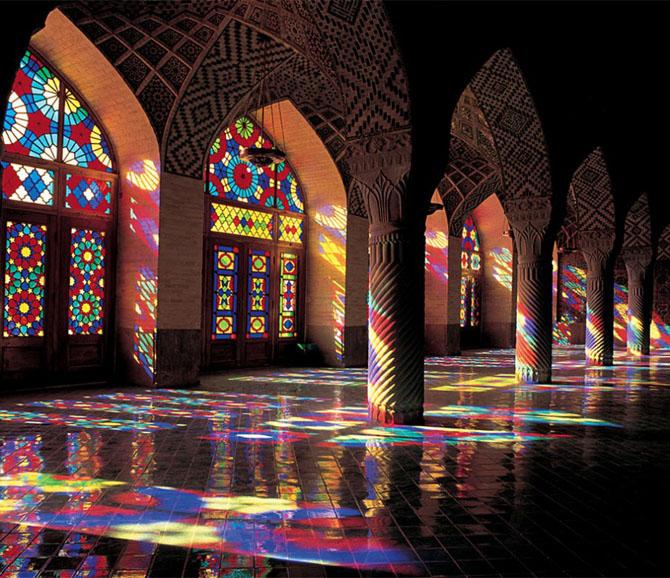 Прогулка по великолепной «Розовой мечети» в утренние часы