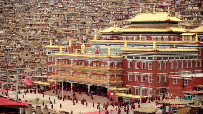 Прогулка в удивительную буддийскую школу в монастыре Седа
