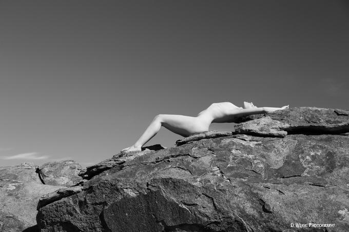 Девушки и скалы