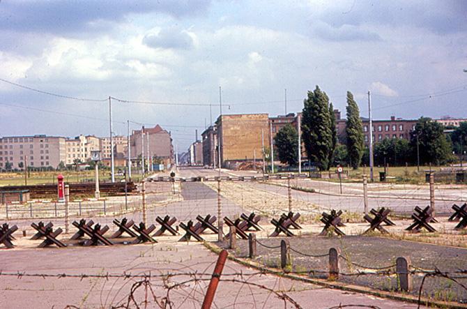 Восточный и Западный Берлин 1963-1967 годов в цвете