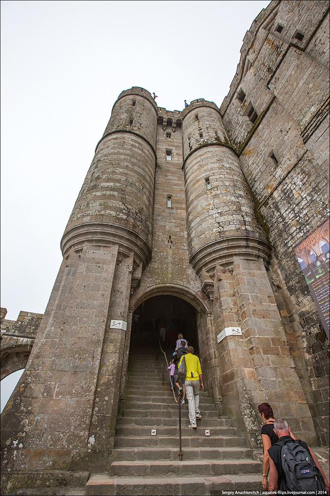 Экскурсия на остров-крепость среди зыбучих песков Нормандии