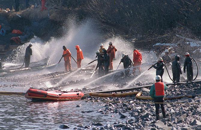 25 лет со дня утечки нефти из танкера «Эксон Вальдез»