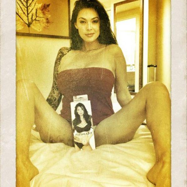 Частные снимки известных порноактрис (28 фото)