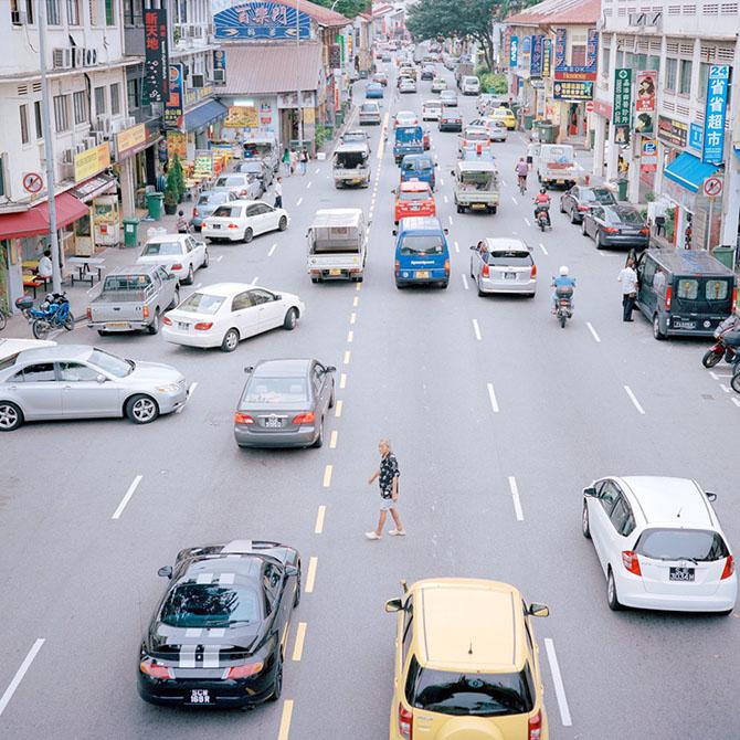 Прогулка по спальным районам самого яркого города Азии